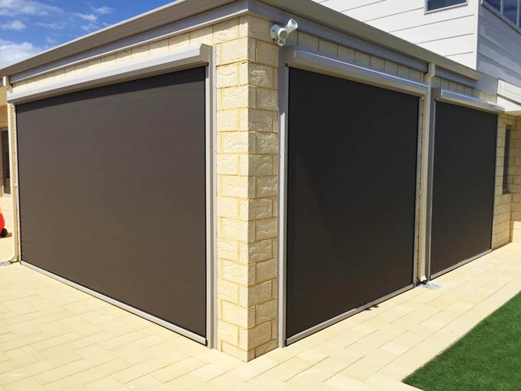Alfresco Blinds create a new entertaining room at home in Jindalee