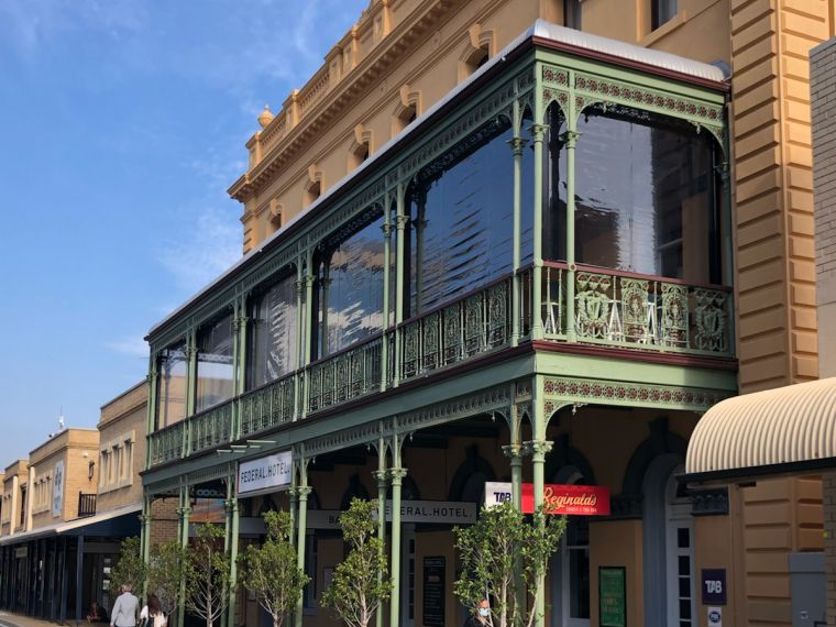 Federal Hotel in Fremantle with clear pvc outdoor blinds.